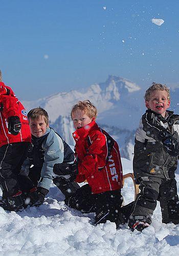 Ski and snowboard school Mellau